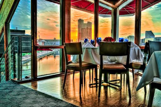 Rusty Scupper Restaurant & Bar